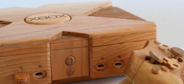 Art Geek : Une magnifique sculpture de Xbox taillé dans le bois