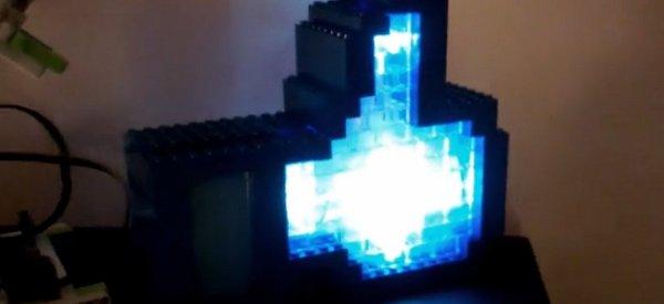 """DIY : Le bouton """"J'aime"""" de Facebook en Lego contrôlé par Arduino"""