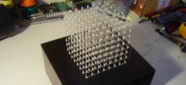 DIY : Construire un cube de 512 LED contrôlé par Arduino