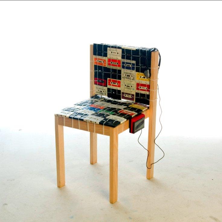 Diy le rempaillage de chaise en version k7 semageek for Rempaillage de chaises