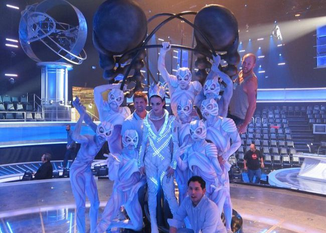Katy Perry s'illumine encore de LED sur le plateau de American Idol