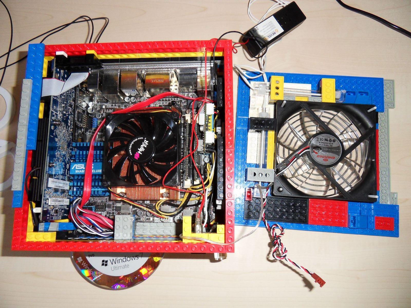 case mod une tour d 39 ordinateur r alis en lego semageek. Black Bedroom Furniture Sets. Home Design Ideas