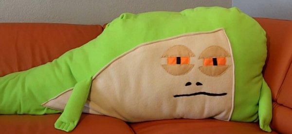 DIY : Fabriquer un coussin Jabba The Hutt pour ne plus se sentir seul(e)