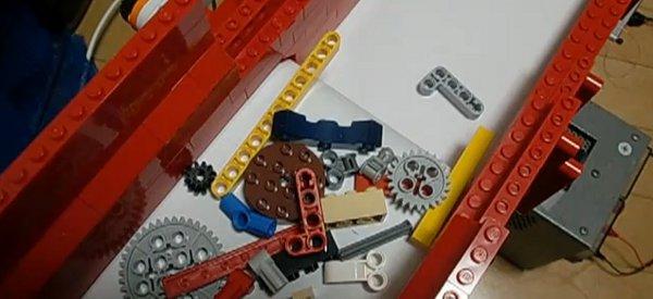 Vidéo : Une Machine LEGO Mindstorms NXT qui trie les pièces de LEGO