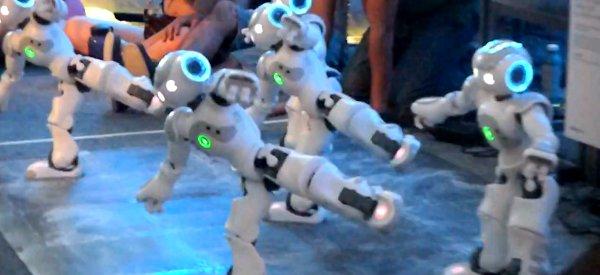 Creators Project : Une chorégraphie musicale de robots Nao à la Coachella 2011