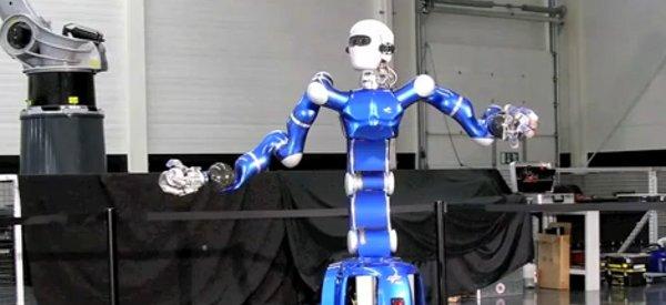 Rollin' Justin, le robot qui attrape les balles à la volée et fait le café