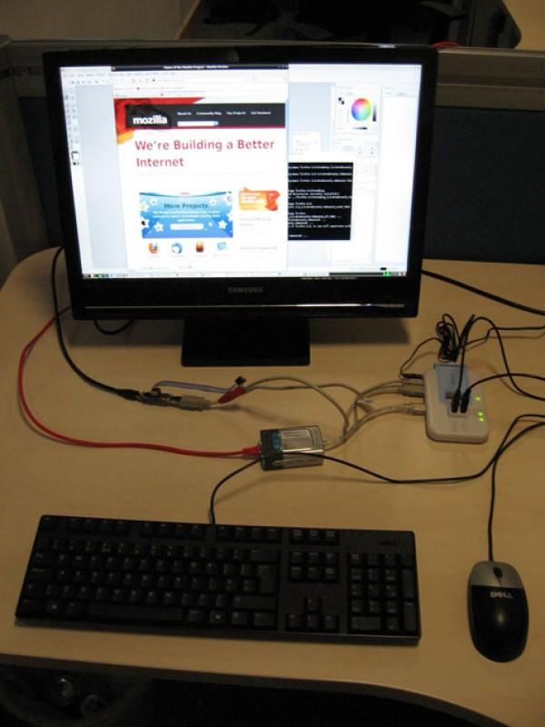 raspberry pi ordinateur miniature taille cle usb 01 e1304806161191 Raspberry Pi : Un ordinateur miniature à 25$ de la taille dune clé USB