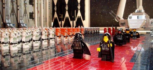 Star Wars : La scène de l'arrivée de l'Empereur reproduite en LEGO