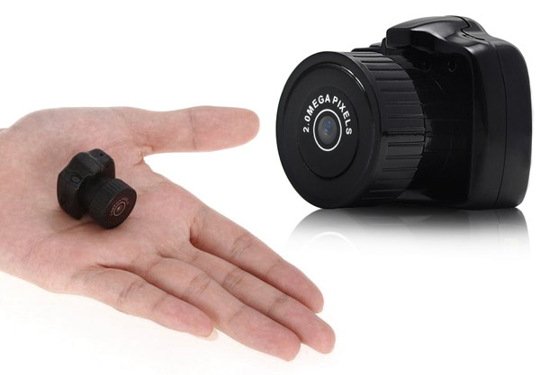 gadget dv59 la plus petite mini cam ra espion hd semageek. Black Bedroom Furniture Sets. Home Design Ideas
