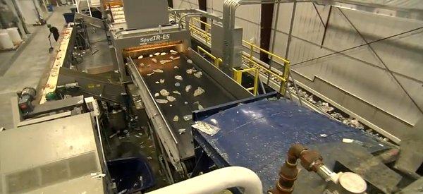 Vidéo : Comment sont recyclés les bouteilles plastiques PET ?