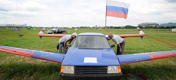 DIY : Un Russe transforme sa voiture en avion