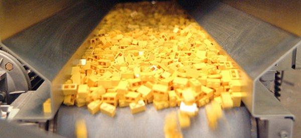 Vidéo : Comment sont fabriqués les LEGO ?