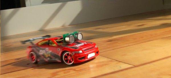 DIY : Transformer une voiture RC en robot qui drifte automatiquement