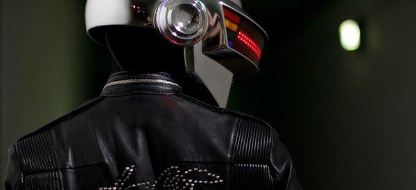 diy une magnifique reproduction du casque a matrice de led de daft punk 01 DIY : Une magnifique reproduction du casque à matrice de LED de Daft Punk