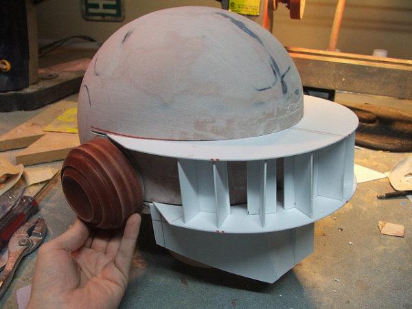 diy une magnifique reproduction du casque a matrice de led de daft punk 04 600x450 DIY
