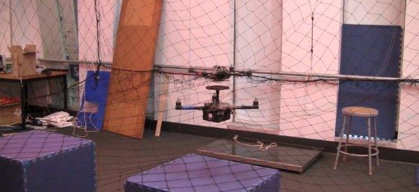 Video : Des quadrotors réalisant des manoeuvres encore plus agressives