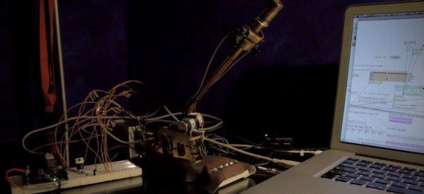 Un changeur de voix robotique Steampunk géré par Arduino