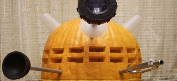halloween une citrouille repr sentant dalek de dr who. Black Bedroom Furniture Sets. Home Design Ideas