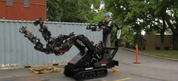 Le dernier exosquelette de Raytheon Sarcos réalisé avec une base de Ditch Witch