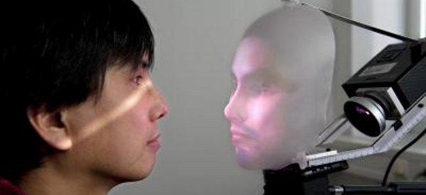 Mask-Bot : Un robot avec un visage humain