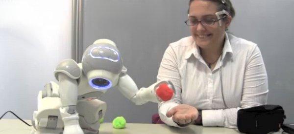 Un robot qui exécute des ordres en fonctions de vos émotions