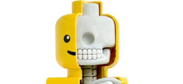 Une magnifique sculpture de l'anatomie d'un LEGO