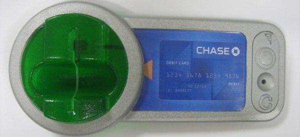 Des voleurs de cartes bancaires qui utilisent la technologie pour pirater les distributeurs de billets