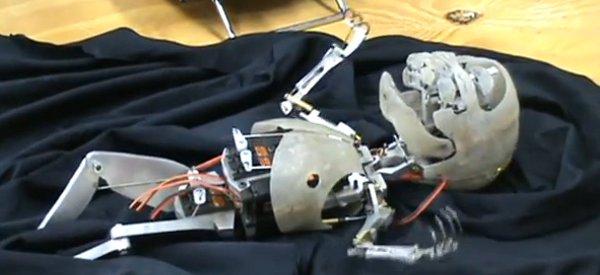 Animatronic Baby : Un bébé robot si réaliste et si effrayant