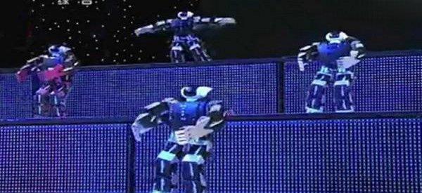 Des robots qui dansent pour célébrer le nouvel an Chinois