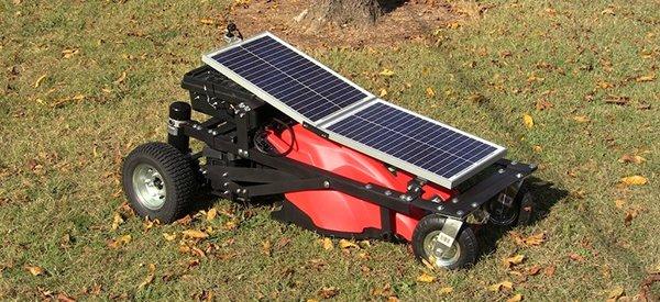 DIY : Comment construire une tondeuse à gazon électrique radio-commandée fonctionnant à l'énergie solaire