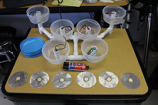 diy fabriquer une batterie avec des boites ikea un ipad et un peu d 39 lectronique semageek. Black Bedroom Furniture Sets. Home Design Ideas