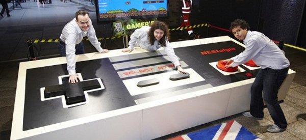NEStalgia : Le plus grand contrôleur de jeux vidéo au monde