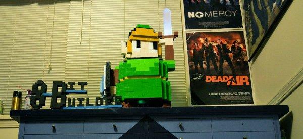 Case Mod : Une tour de PC en forme de Link pixelisé en bois