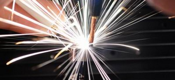 DIY : Une machine à soudure par point et découpeuse plasma avec un gros condensateur