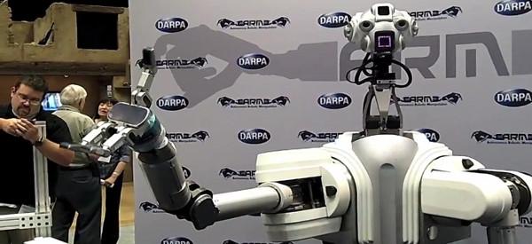 Robbie : Le robot manipulateur impressionnant de DARPA