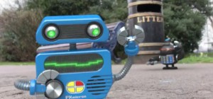 Invade all the humans : Quand les robots old-school envahissent la terre avec du rap 8 bits