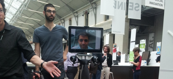 JBot: Le robot de téléprésence LTE