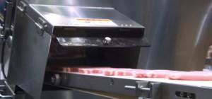 Une machine qui scanne la viande en 3D pour réaliser des tranches de même poids