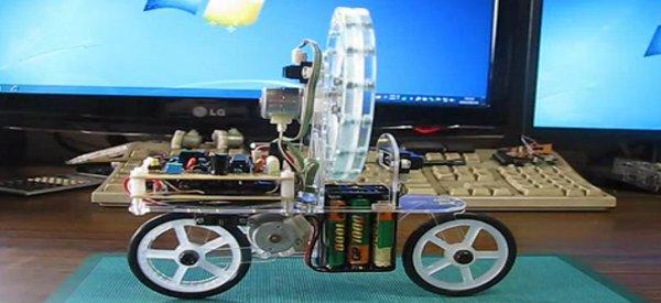 Un petit vélo robotique qui s'équilibre tout seul