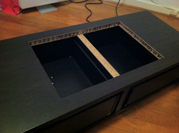 diy transformer une table basse ikea en borne d 39 arcade semageek. Black Bedroom Furniture Sets. Home Design Ideas