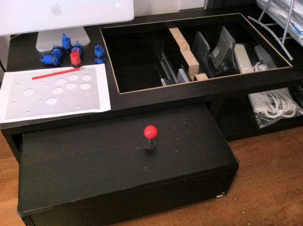 Diy transformer une table basse ikea en borne d 39 arcade - Diy table basse ...