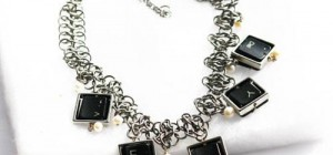 Bijoutia : Des bijoux conçus à partir de déchets électroniques