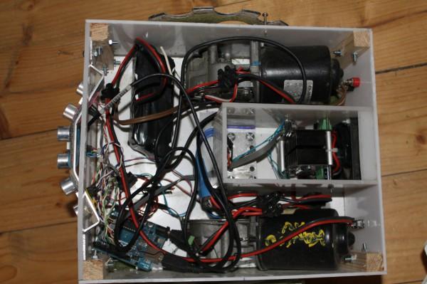 Cutflower un robot tondeuse autonome propulsé par