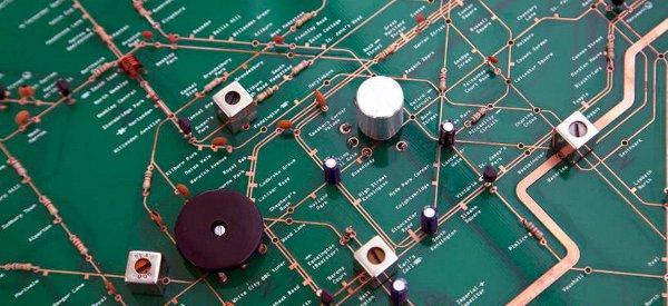 Un circuit électronique de radio représentant le plan du métro de Londres
