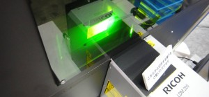 Un système d'effacement et d'impression d'étiquettes thermique à base de laser
