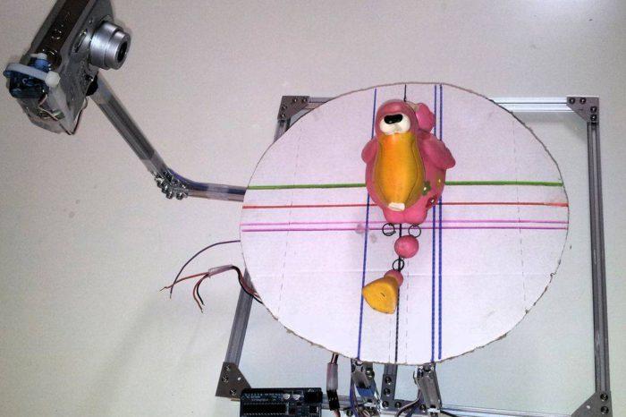 DIY : Fabriquer un scanner 3D à bas prix avec un Arduino et un appareil photo