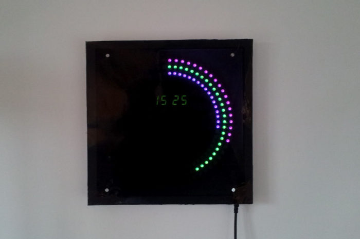 DIY : Une magnifique horloge avec 180 LED RGB à base d'Arduino