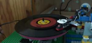 Old School : Un tourne-disque entièrement réalisé en LEGO