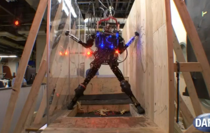 Pet-Proto : Le robot bipède de DARPA analyse et navigue à travers les obstacles