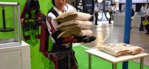 Un exosquelette avec des muscles pneumatiques pour transporter des lourdes charges